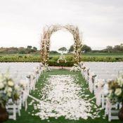 Арка из веток на свадьбу