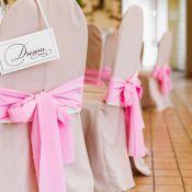 Оформление стульев бантами на свадьбе