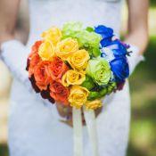 букет невесты из разноцветных роз
