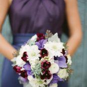 букет невесты в лиловом цвете