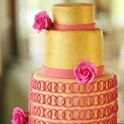 торт на свадьбу золото с розой