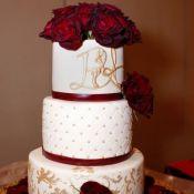 свадебный торт красная роза