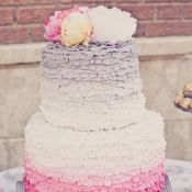 торт на свадьбу лиловый