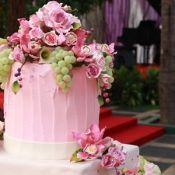 свадебный торт цветочный букет