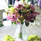Свадебный букет из розовой орхидеи