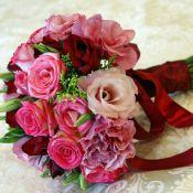 Букет невесты Ароматный с розами ассорти